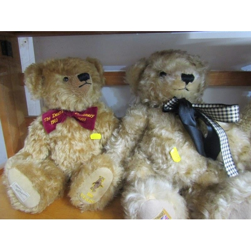 52 - TEDDY BEARS, Merrythought Limited Edition teddy bear