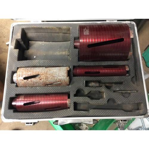 89 - COLLECTION PAR; plus VAT Makita diamond core drilling set and core set, 110v in 2 boxes