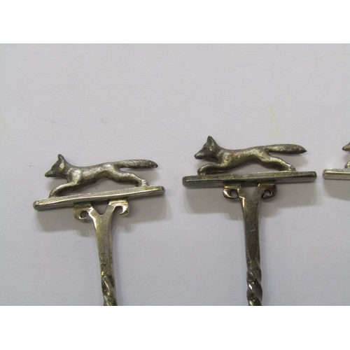 539 - ORNATE SILVER SPOONS, 5 silver spoons decorated fox finials in individual boxes, 80 grms