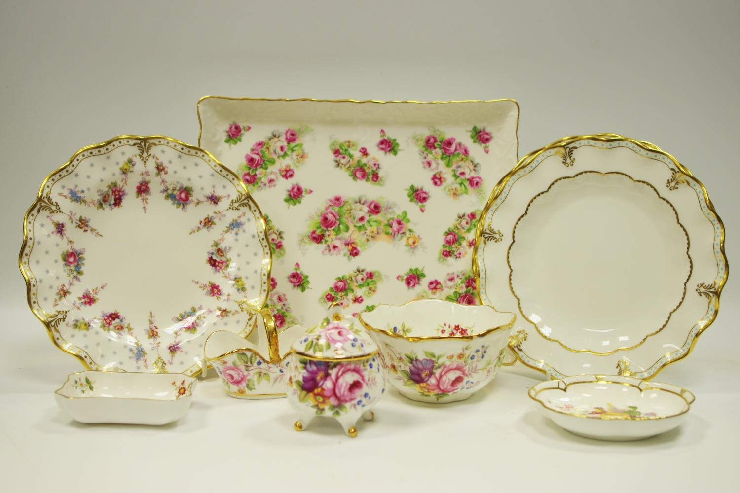Decorative Ceramics - A pair of Royal Crown Derby Royal Antoinette wavy...