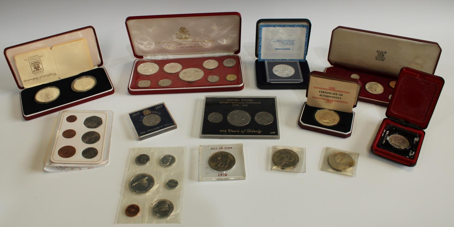 Coins - Foreign, Commonwealth & Dependencies issues, Isle of Man 1970 Crown...