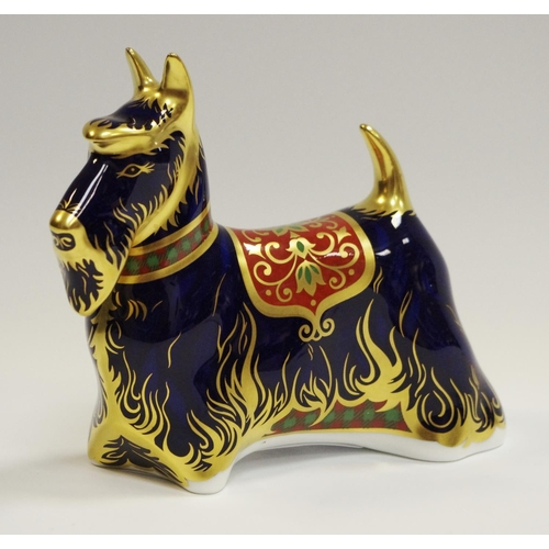 10 - A Royal Crown Derby Imari Paperweight, modelled as a 'Scottish Terrier', gold stopper, 11cm high, bo...