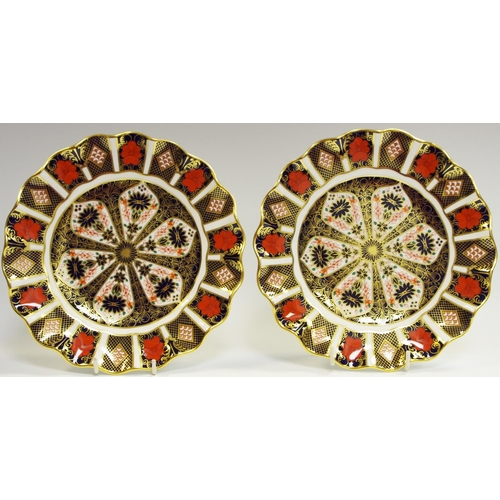 15 - A pair of Royal Crown Derby wavy edge dessert plates 21.5cm diameter (first quality)...