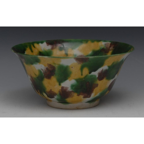 22 - A Chinese spinach and egg glazed flared circular bowl, decorated in mottled tones, 19.5cm diam, para...