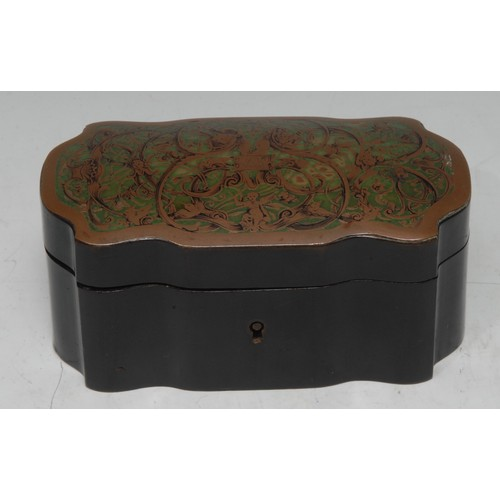 5014 - A 19th century 'boulle' and ebonised shaped serpentine casket, hinged cover inlaid with brass engrav...