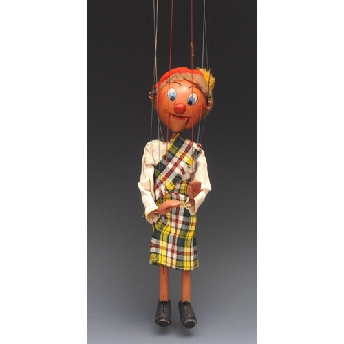 77 - SM Mrs MacBoozle - very rare, Pelham Puppets SM Range, brown hair, painted features, blue eyes, ball...
