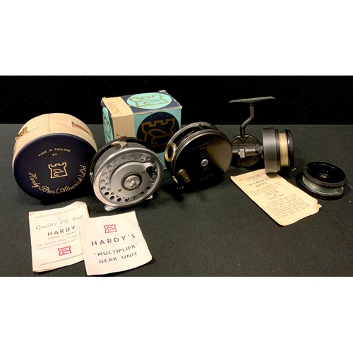 9 - Hardy Hardex No 2 Mk2 trout size spinning reel with half bail arm, bakelite spool, spare spool inc. ...