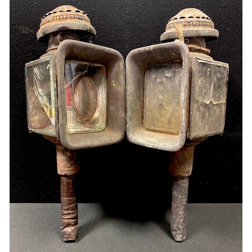 15 - A pair of Victorian carriage lamps