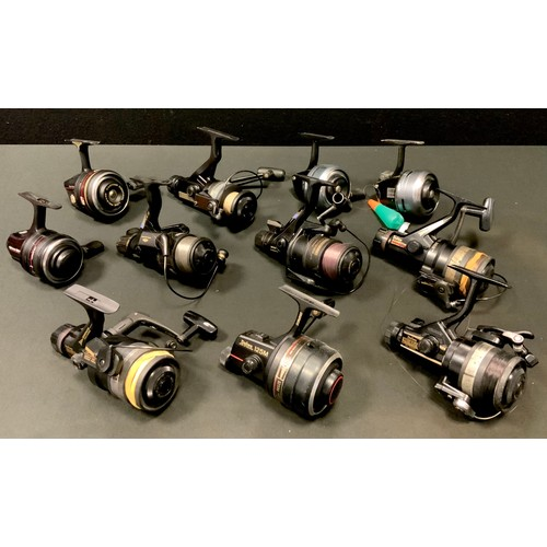 27 - A Daiwa Harrier Auto 1657DM; another; a Daiwa RG1655 Auto Cast; another Harrier 125M closed faced ma...