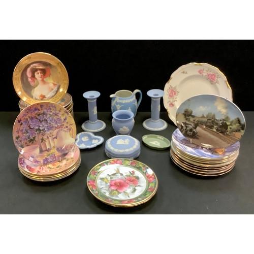48 - Wedgwood Jasperware candlesticks, jug, trinket dishes; Royal Crown Derby Pinxton Rose1120 (second qu...
