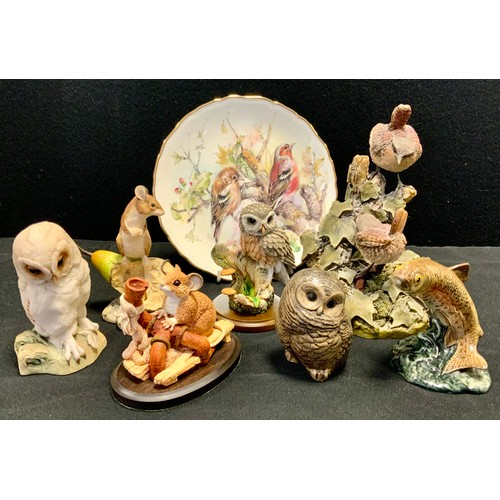 217 - Animals - a Border Fine Arts model Mouse and Pear, signed H J Ayres, 84, others Country Artists, Tev...