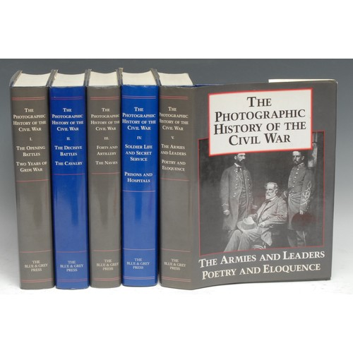 4175 - Military History, Americana - The Photographic History of the Civil War, ten parts complete in five ...