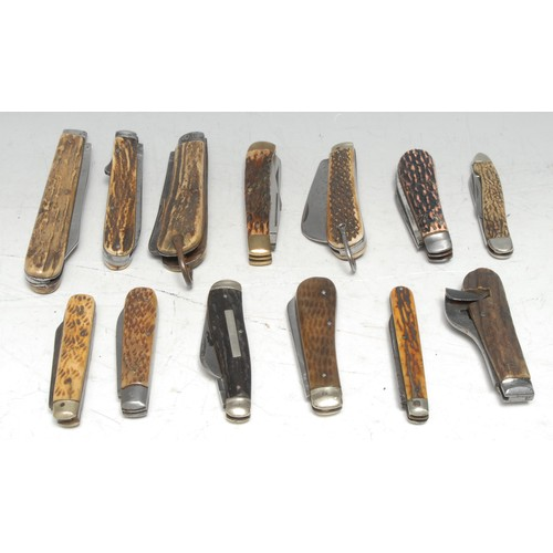 3650 - Machirology - a 19th century pocket clasp knife, Taylors Eye Witness, 10cm blade, smaller secondary ...