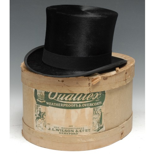3185 - A gentleman's black silk top hat, by Woodrow, Piccadilly, interior dimensions 20cm x 16cm, boxed