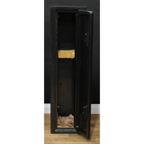 3744 - Shooting - a four-gun shotgun cabinet, with keys, 127cm high, 33.5cm wide, 25.5cm deep