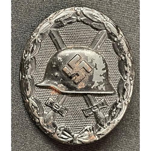 15 - WW2 Third Reich Verwundetenabzeichen im Schwarz 1939 Wound Badge in Black 1939. This example in stee...
