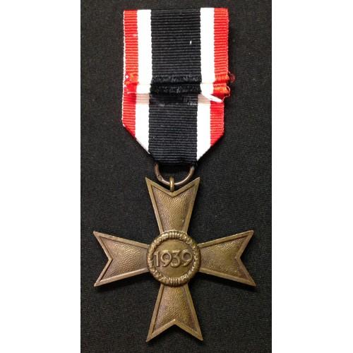 17 - WW2 Third Reich Kriegsverdienstkreuz ohne Schwerten II klasse. War Merit Cross without Swords 2nd cl...