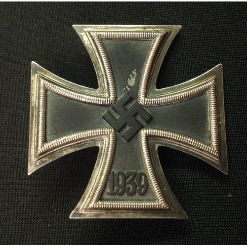 23 - WW2 Third Reich Eisernes Kreuz I Klasse. Iron Cross 1st Class maker marked 65 for