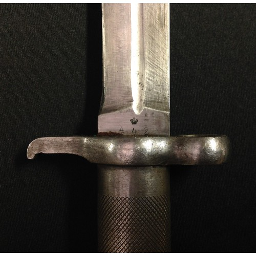 39 - Swiss M1896 pattern bayonet with 206mm long fullered single edged blade. Numbered to ricasso 442. Ma...