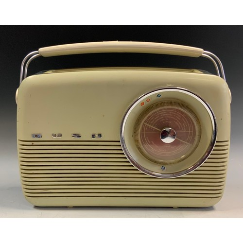 13 - A Bush TR82C radio