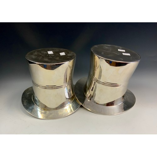 22 - A pair of silver plated ice bucket coolers as Top Hats, 17cm high, 24cm wide (2).