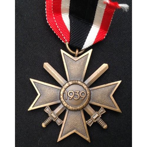 46 - WW2 Third Reich Kriegsverdienstkreuz 2.Klasse mit Schwertern - War Merit Cross 2nd Class with Swords...