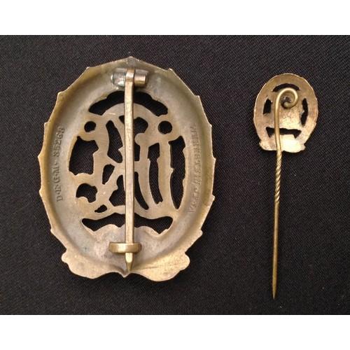 57 - WW2 Third Reich DRL Sportabzeichen in Bronze - National Sports Badge in Bronze. Maker marked