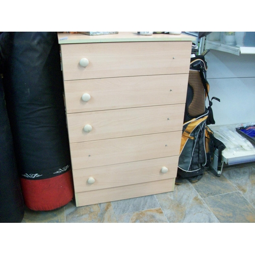 39 - Chest of Drawers...