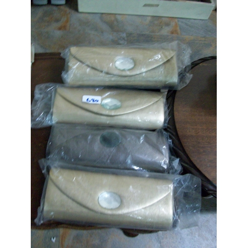 680 - 5 New Clutch Bags...