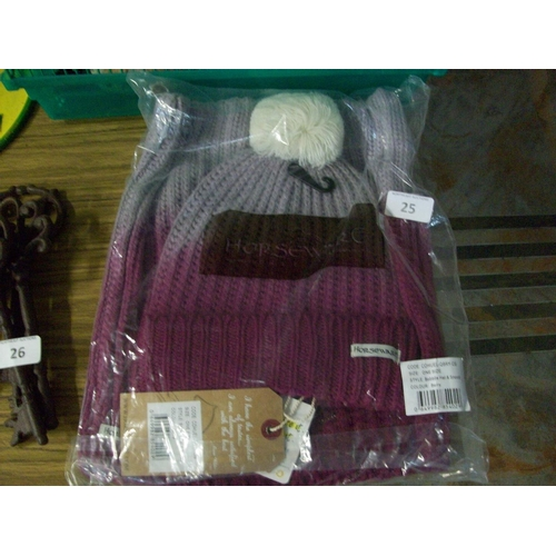 25 - Horseware Knitted Hat and Snood (Berry)...