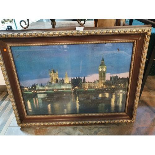 140 - Framed London Scene Jigsaw...
