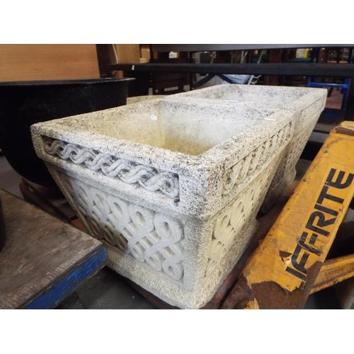 1 - Pair of magnificant Cotswold Stone planters 40x40x33cm...