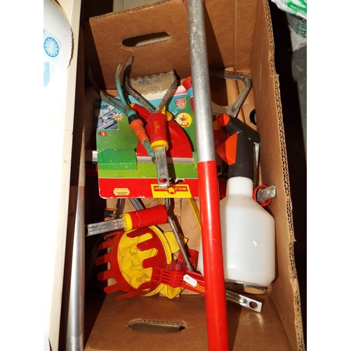 32 - Wolf Detachable Head Garden Tool Set with Two Handles...
