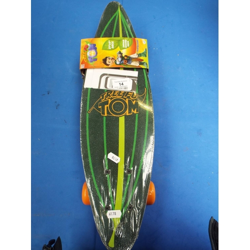 14 - Tree Fu Tom (Cbeebies) Leaf Skateboard, Unopened (T8)