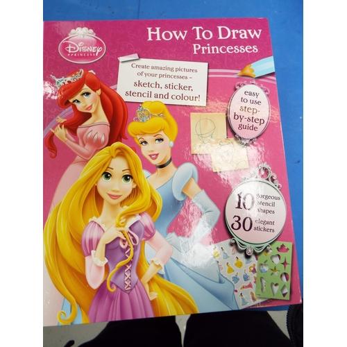 32 - Four 'How to Draw a Princess' , Disney Activity Books (C24A)