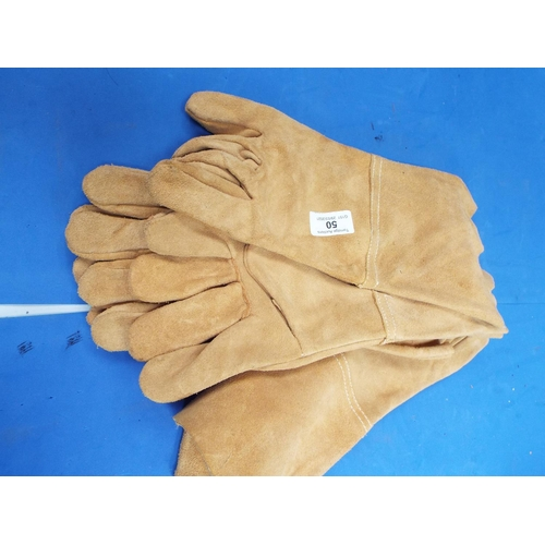 50 - Three Pairs of Suede Gauntlets (T6)