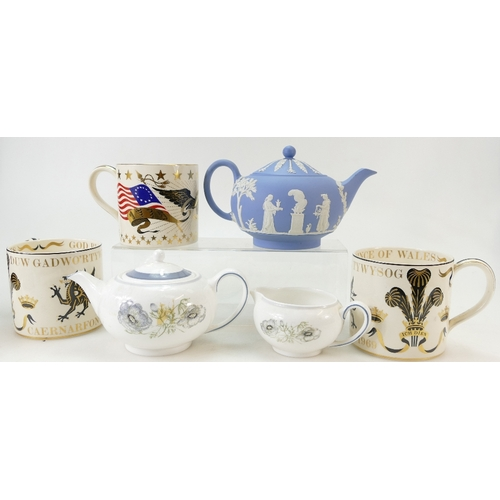 697 - A collection of Wedgwood pottery including Jasperware teapot, Richard Guyatt commemorative mugs, Sus...
