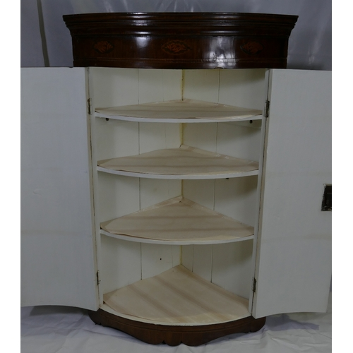767 - Georgian Mahogany Bow Fronted Corner Cupboard, with shell inlay and 2 doors (75cm Width x 117cm Tall...