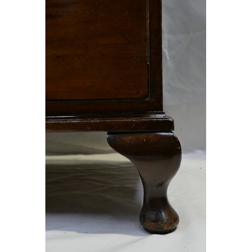 781 - Georgian Mahogany chest of five drawers, with later Queen Anne feet and replacement brass handles, w...
