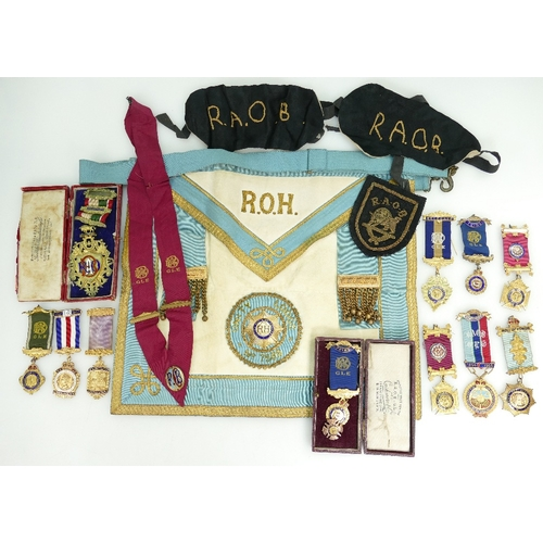 917 - Large quantity of RAOB (Royal Antediluvian Order of Buffaloes) medals / Jewels & memorabilia. Includ...