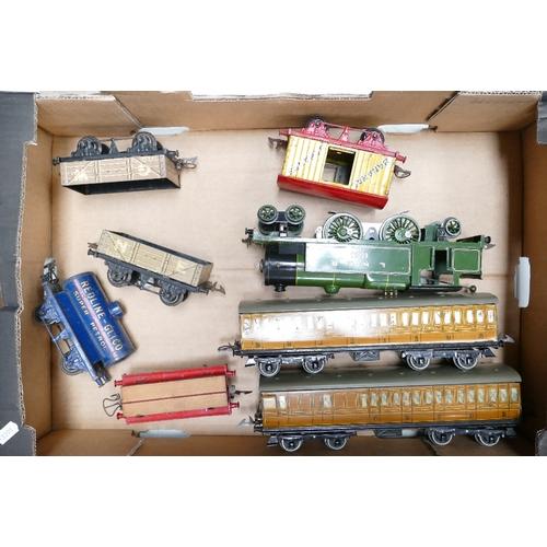 983 - Hornby 4,4,2 LNER 1784 tinplate 20v electric O gauge model train together with 12530 x2 Goods trucks...