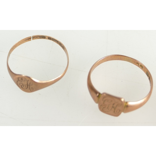 1368 - 2 x Rose Gold hallmarked signet rings with initials, one split, a 9ct Chester hallmarked brooch with...
