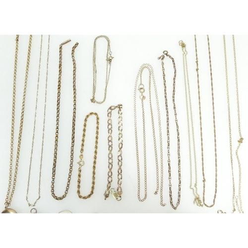 1383 - Assortment of 9ct Gold & yellow coloured metal jewellery, some broken or damaged - Gross weight incl...
