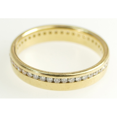 1400 - 18ct Gold Ladies Ring set all around with small Diamonds, size R/S, 5 grams...