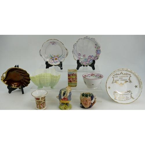 210 - Small group of ceramics including; Grainger Worcester vintage porcelain Shell design BOWL 12cm wide ...