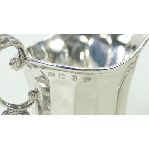 1179 - Silver two handled sugar bowl and milk jug, 152 grams (2)...