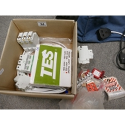 15 - A small collection of circuit breakers to include, Crabtree branded polestar D32, C20 & C40. The Cra...