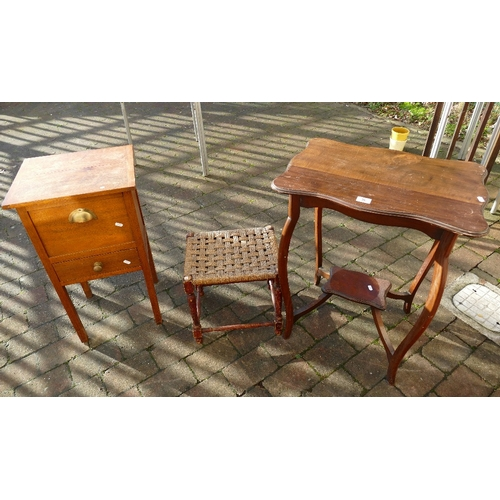 36 - Small selection of furniture to include a 2 tier shaped side table, light oak 2 drawer side cabinet ...