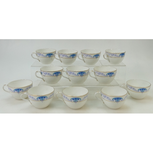 37 - Shelley tea service: Tea service comprising 12 cups, saucers & side plates (1 cup cracked), sugar & ...