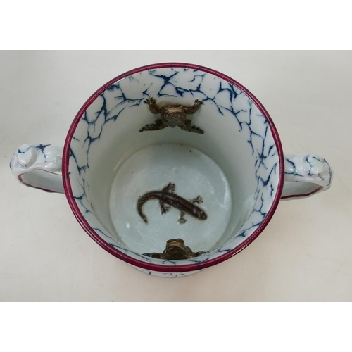 40 - Large Staffordshire Loving cup: Cup features 2 frogs with a newt in the base, marbled decoration to ...
